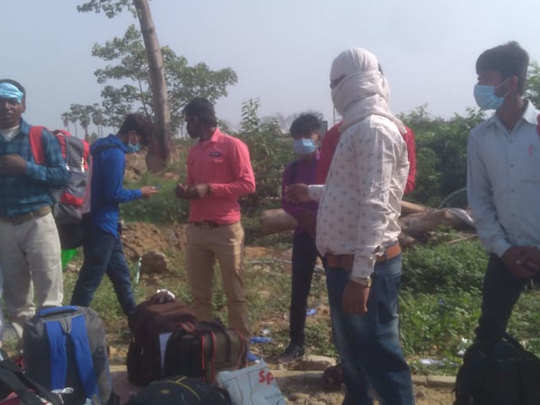 flights for labourers : delhi farmer sent 10 migrant workers to their homes by flight