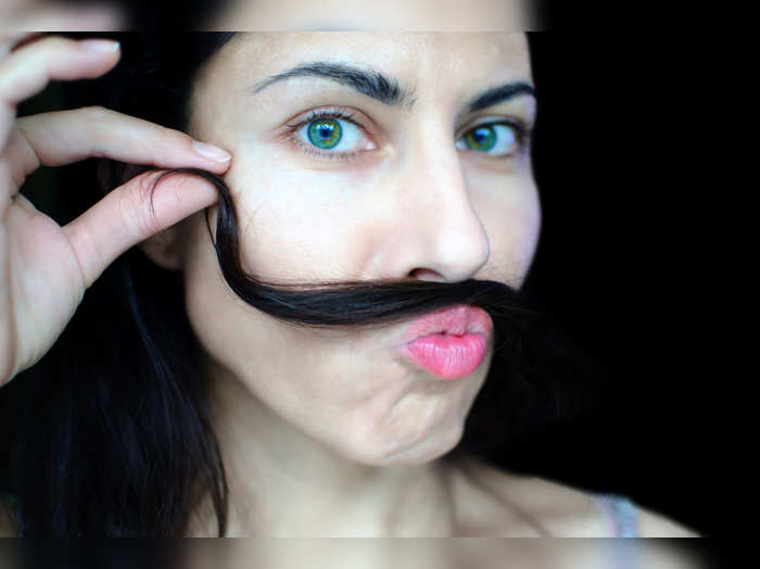 ways to remove upper lip hair naturally at home
