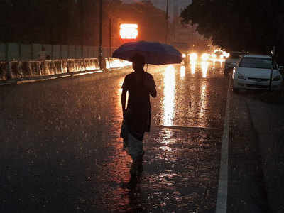 देश के कई इलाकों में बारिश से राहत