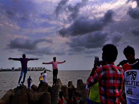 देवभूमी केरळात मान्सूनची धडक; महाराष्ट्रालाही पहिल्या पावसाची वर्दी