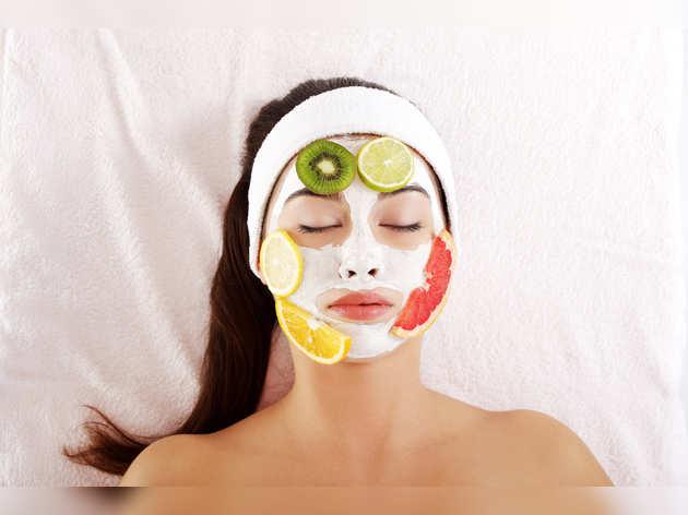 Skin Facial: स्किन टाइटनिंग के लिए घर पर ऐसे करें Fruit Facial, 30 मिनट में दिखेगा फर्क