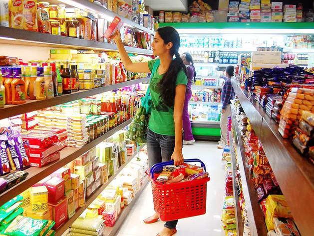Shopping Tips: खरीदारी के दौरान कोरोना से बचने के लिए इन चीजों को ना लगाएं हाथ!