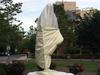 जॉर्ज फ्लायड हत्या: अमेरिका में प्रदर्शनकारियों ने महात्मा गांधी की प्रतिमा को नुकसान पहुंचाया
