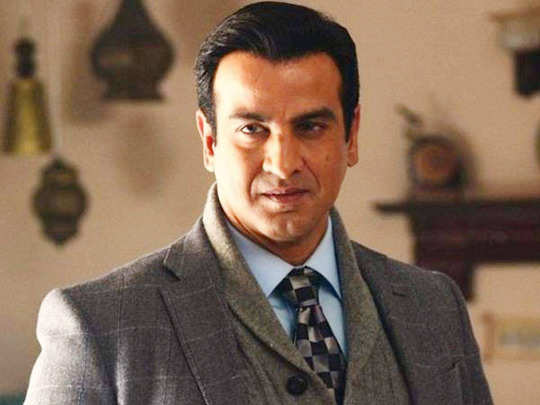 ronit roy selling things to support 100 families did not earn since January also shares his struggling days story