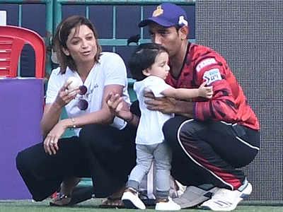 वाइफ शीतल और बेटे के साथ रॉबिन उथप्पा।