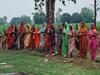 अंधविश्वास की हद : कुशीनगर में लड्डू और लौंग चढ़ाकर करोना को भगाने में जुटी महिलाएं