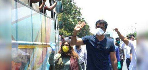 शिवसेना ने साधा सोनू सूद पर निशाना, राजनीतिक साजिश का लगाया आरोप