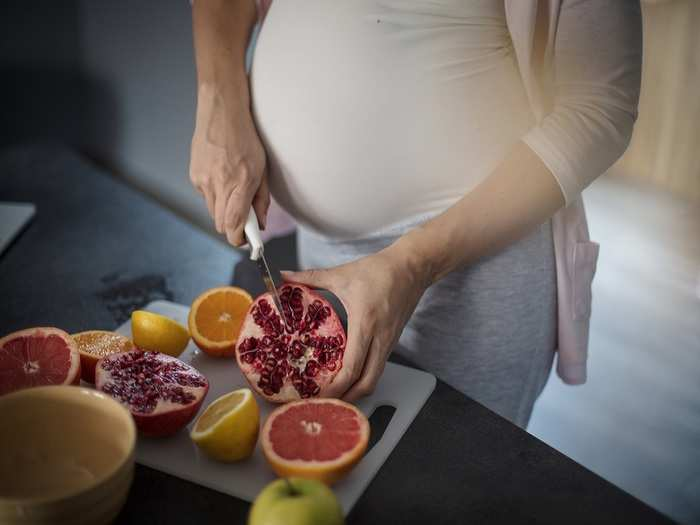 benefits and side effects of eating pomegranate during pregnancy in hindi