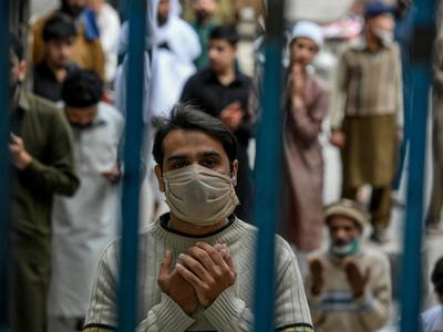 पाकिस्तान में फूटेगा कोरोना वायरस बम, जुलाई तक होंगे 12 लाख केस