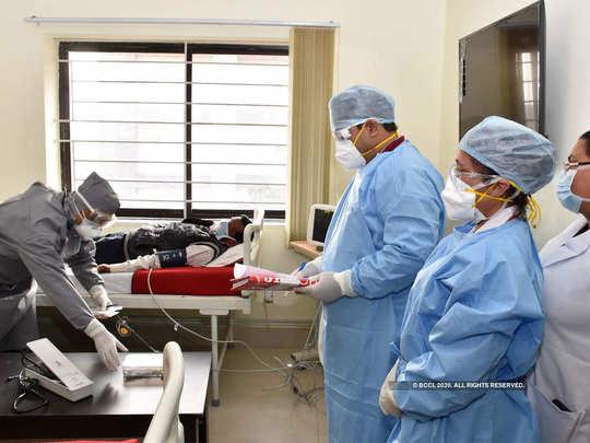 नोएडा में हजार के पार हुए कोरोना के मरीज, 50 पर्सेंट हो गए ठीक