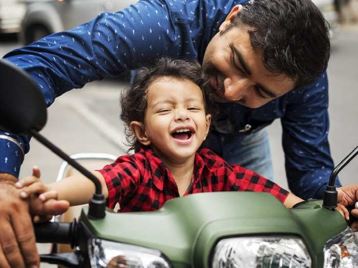fathers must spend this much time with their kids in hindi