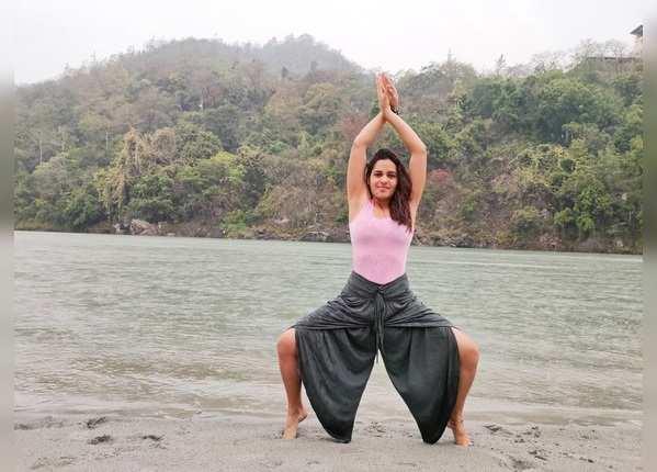 राजस्थान सिरोही  की पल गहलोत ने योग को ही बना लिया करियर