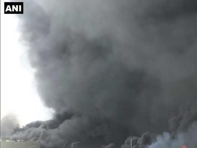 30 एकड़ में फैली डायपर फैक्ट्री में लगी आग तो इतना भयंकर दिखा नजारा