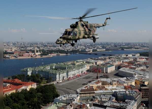 एमआई-8 हेलिकॉप्टर ने आसमान में दिखाई ताकत