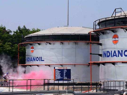 तेल का दाम हुआ आधा तो आईओसी को हो गया घाटा
