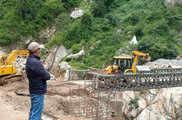 22 जून को टूटा था चीन बॉर्डर तक जाने वाला बैली ब्रिज, स...