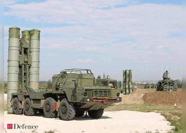 दो टन वजनी है चीन की HQ-9 मिसाइल