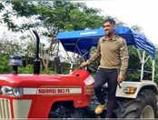 रांची में ऑर्गेनिक खेती करते नजर आए महेंद्र सिंह धोनी, वीडियो वायरल