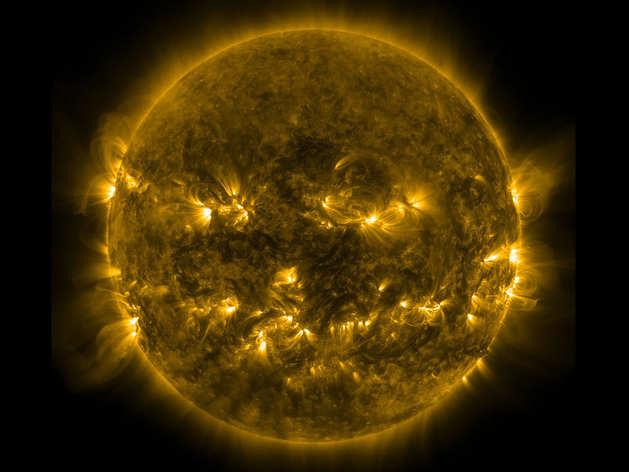 नासा ने दिखाए सूरज के 10 साल