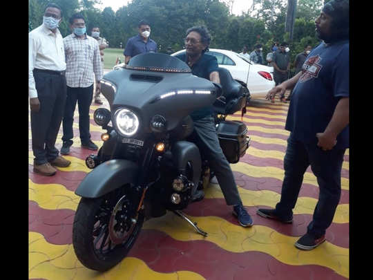 Chief Justice of India SA Bobde in Harley Davidson. PC: Twitter/Bar & Bench