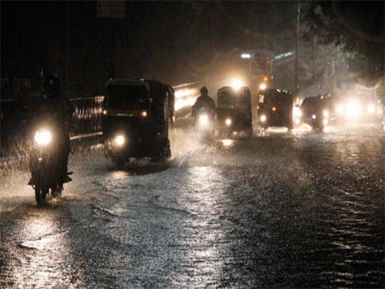 मुंबईत मुसळधार पाऊस (File Photo )