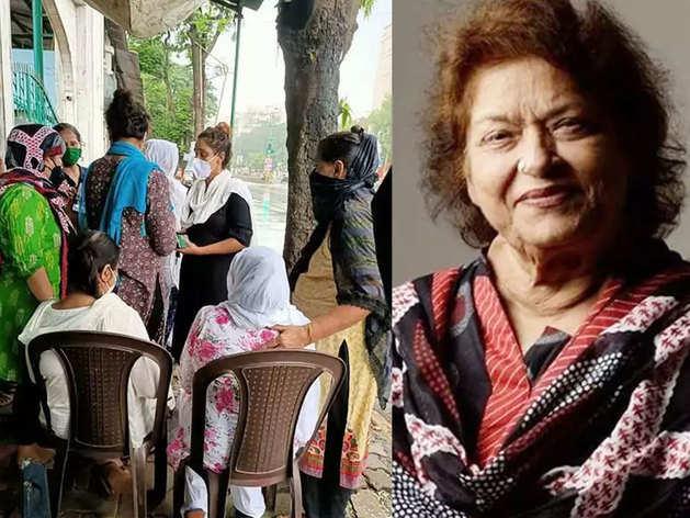 सरोज खान के अंतिम संस्कार में मौजूद परिवारीजन.