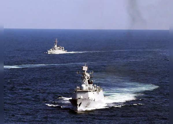 ईस्ट चाइना सी में परेशान कर रहा चीन