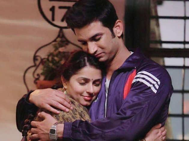 Sushant singh rajput on screen sister Bhumika chawla