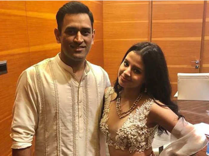 ms dhoni wife sakshi dhoni wrote emotional message on marriage anniversary