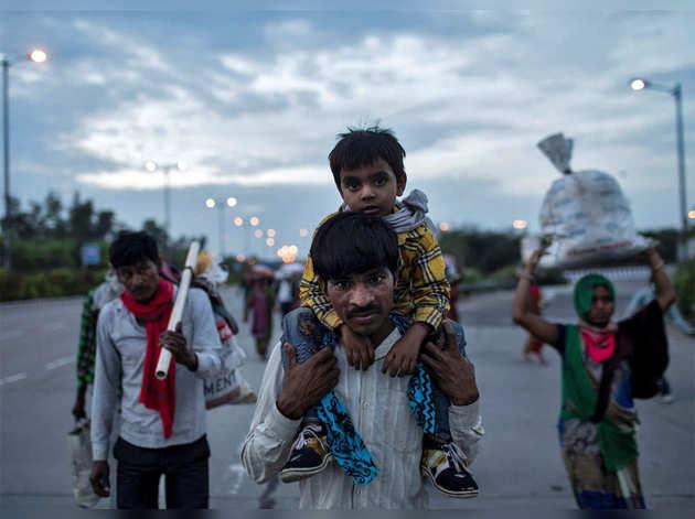 स्टडी से चला पता, शुरुआती दो लॉकडाउन में हुआ 34 हजार करोड़ रुपये की मासिक मजदूरी का नुकसान