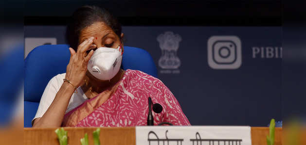 टीएमसी सांसद की अभद्र टिप्पणी, वित्त मंत्री निर्मला सीतारमण को बताया काली नागिन