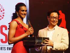 हैपी बर्थडे सिंधु: खेल मंत्री सहित दिग्गजों ने दी बधाई