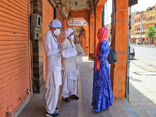 नगरमध्ये करोनाच्या रुग्णांमध्ये वाढ (प्रातिनिधिक फोटो)