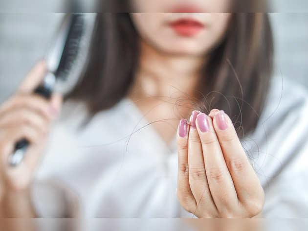 Hair Care: तेल लगाने के बाद क्या टूटते हैं आपके भी बाल? तो जानें क्या गलती कर रही हैं आप