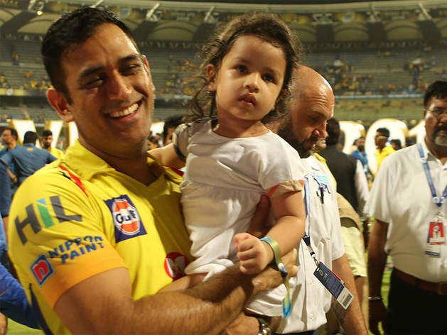 महेंद्र सिंह धोनी बेटी जीवा पर छिड़कते हैं जान, हर पिता को करने चाहिए उनकी तरह ये काम