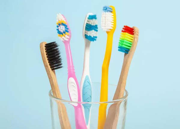 टूथब्रश साफ कैसे करें