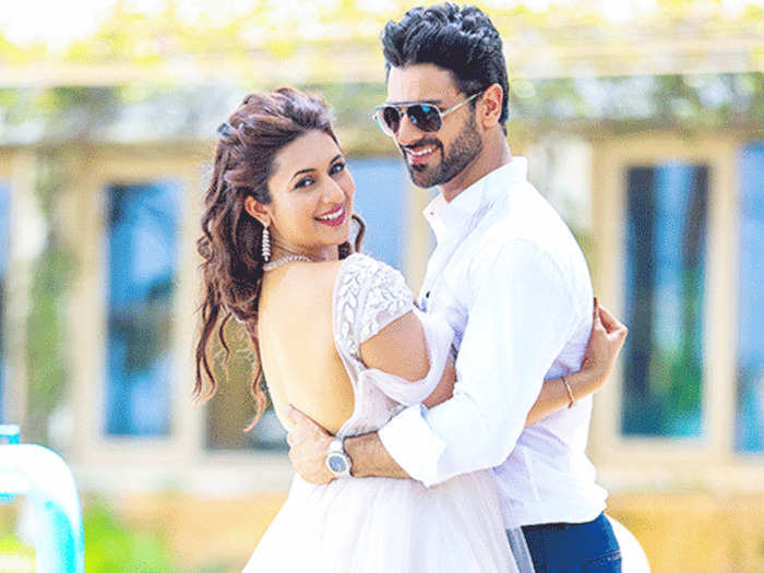 divyanka tripathi heartfelt love proposal for hubby vivek dahiya on 4th wedding anniversary a look at their marriage photos