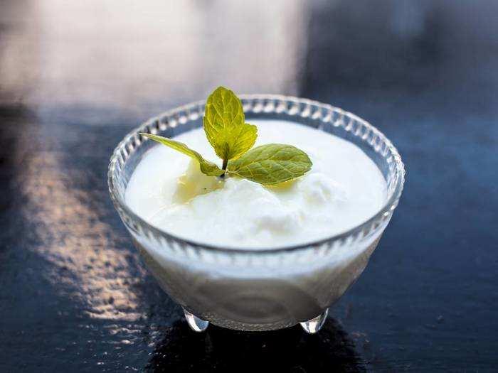 Side Effects Of Yogurt : रात में इसलिए न करें दही का सेवन, हो सकती हैं ये 5 खतरनाक समस्याएं