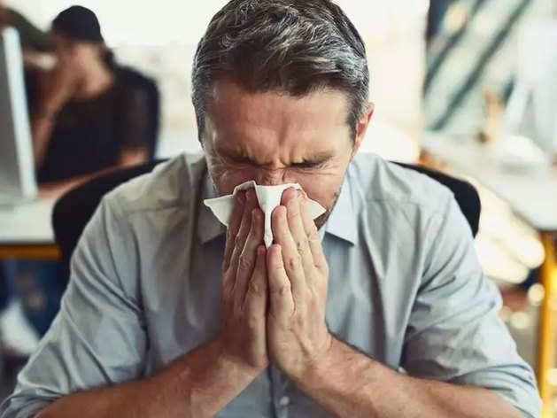Monsoon Disease Pneumonia: मॉनसून में होनेवाली बीमारियों से जुड़ी हर वो बात जो आपको जाननी चाहिए
