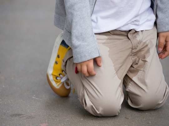 causes and treatment of frequent urination in children in hindi
