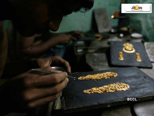 jewellery workers