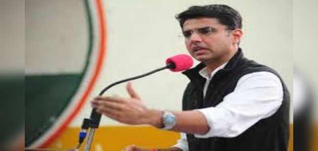 गहलोत सरकार पर खतरा: कांग्रेस नेता अहमद पटेल से मिले सचिन पायलट