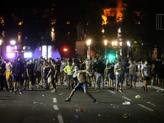 सर्बिया में विरोध
