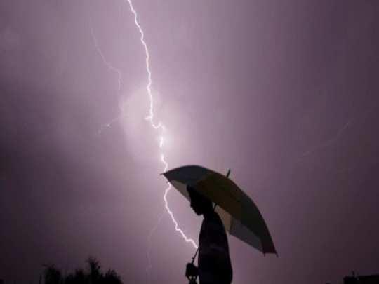 Lightning kills 4 people in Bardhaman