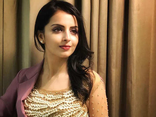 ishqbaaz fame actress shrenu parikh tested positive for corona or covid 19 says please pray for me and my family