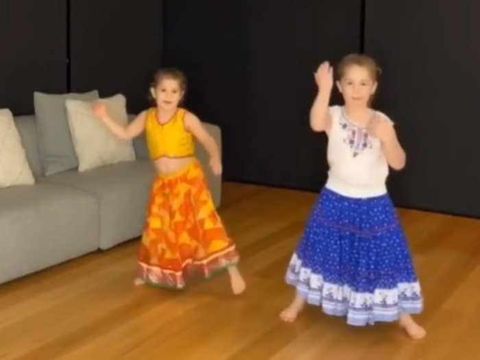 david warner shared video of his daughters dancing on akshay kumar hit song bala