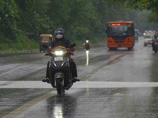 Delhi Weather forecast: 15 दिनों में 6 साल की सबसे कम बारिश, अगले सात दिन कैसा रहेगा मौसम जानिए