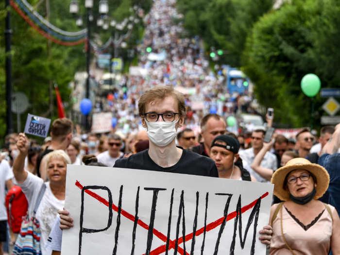 russia protests against kremlin and vladimir putin over governor arrest in khabarovsk