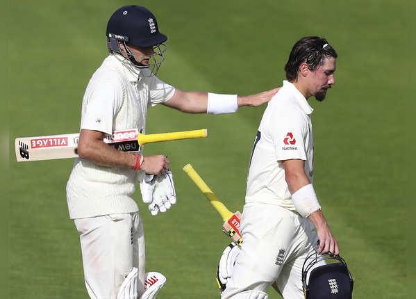 इंग्लैंड ने वेस्टइंडीज को दिया 399 रन का टारगेट