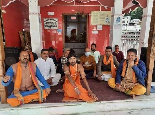 चारधाम यात्रा से हरिद्वार में खुशी, संतों-पुरोहितों ने जताया विरोध